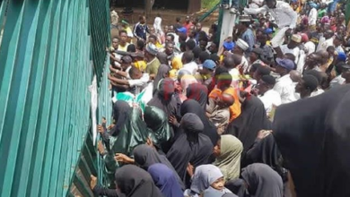 3 Policemen Shut as Shiites Attack National Assembly